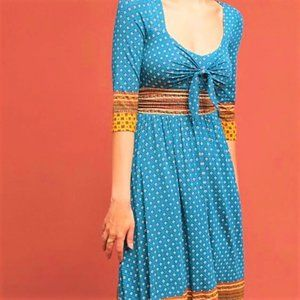Maeve Dress Sweetheart Blue Motif Gold Border M